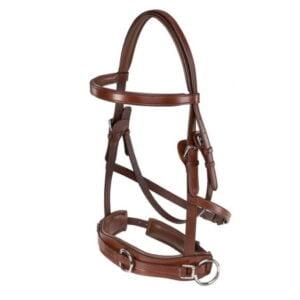 Tillverkad i vegetabiliskt garvat amerikanskt läder som är REACH godkänt. Fodrad nos, nacke och pannband. Nosgrimma med två ringar på sidan och D-ring på mitten, nosgrimman är utan järn som är snällare mot hästen. Samtliga beslag är rostfria och skyddade med läder mot hästen. Storlek: Cob, full