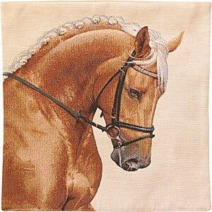 Kudde med häst